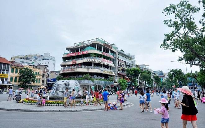 Hà Nội dự kiến sẽ cấm triệt để phương tiện lưu thông ở khu vực phố đi bộ Hoàn Kiếm vào các ngày cuối tuần