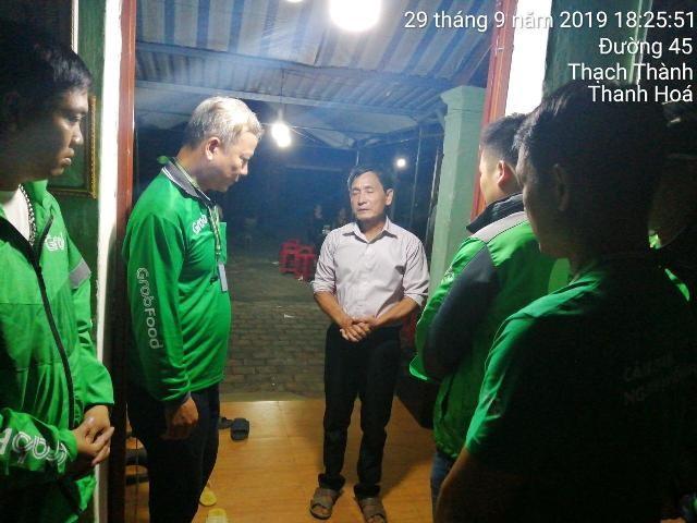 Đại diện Grab đến thăm hỏi và chia sẻ hỗ trợ cùng gia đình nạn nhân Nguyễn Cao S tại Thanh Hóa