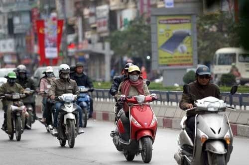 Từ trưa nay, không khí lạnh tràn về, Thủ đô Hà Nội chuyển rét kèm mưa