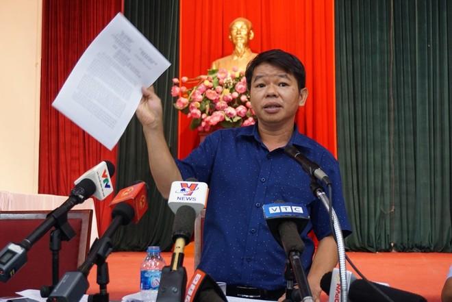 Ông Nguyễn Văn Tốn tại một cuộc họp báo thông tin về vấn đề nước sạch sông Đà nhiễm dầu thải