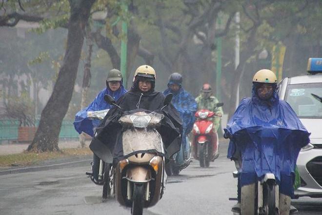 Sáng sớm nay, 14/11, không khí lạnh đã tràn xuống khắp các tỉnh Bắc bộ gây mưa, mưa rào