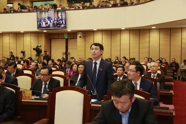 Ông Nguyễn Trọng Đông, Giám đốc Sở TN&MT Hà Nội trả lời chất vấn (ảnh Phú Khánh)