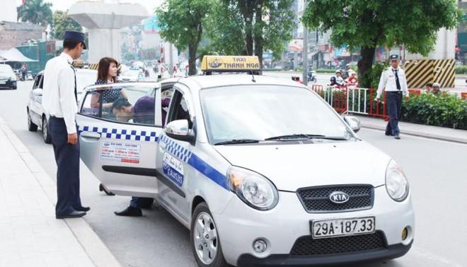 Taxi Thanh Nga là một trong 10 đơn vị taxi vừa được thanh tra Sở GTVT Hà Nội kiểm tra