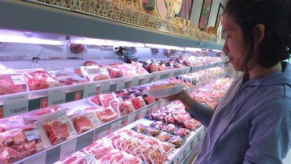 Giá thịt lợn trên thị trường đang đứng ở mức cao chót vót, đắt ngang thịt bò