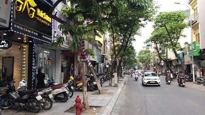Sở GTVT Hà Nội tổ chức lại giao thông phố Đội Cấn để thảm mặt đường