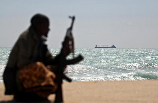 Cục Hàng hải Việt Nam cảnh báo cướp biển có vũ trang bị một số điểm nóng như phía Đông Singapore...