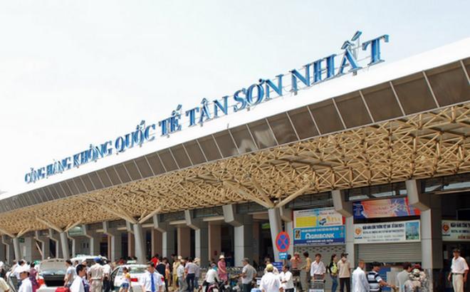 Dịp Tết Nguyên đán, lượng người đi/đến sân bay đông nên người dân cần cảnh giác các đối tượng trộm cắp lợi dụng để móc túi, trộm đồ