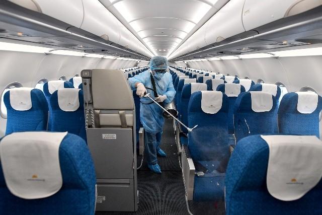 Vietnam Airlines khử trùng toàn bộ các chuyến bay quốc tế về Việt Nam