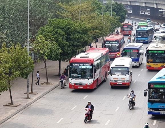 Ngành giao thông Hà Nội đang xem xét mở nhiều tuyến xe khách chạy ban đêm