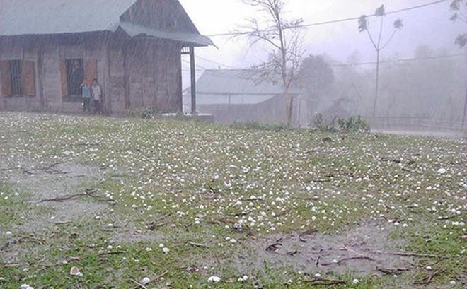 Khu vực Bắc bộ, bao gồm cả Thủ đô Hà Nội đề phòng mưa đá, giông lốc trong những ngày đầu tuần tới