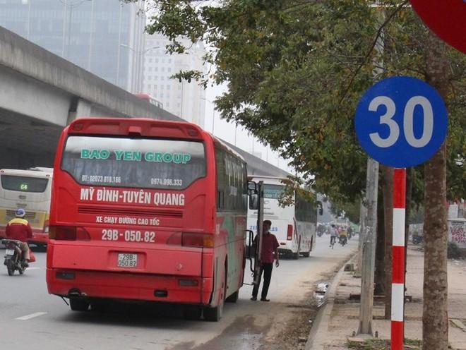 Hoạt động của xe khách liên tỉnh hiện nay trên địa bàn Hà Nội vẫn còn khá lộn xộn