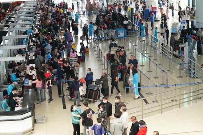 Cục Hàng không yêu cầu giảm tần suất các chuyến bay nội địa đến Nội Bài và Tân Sơn Nhất