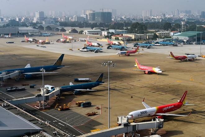 Các hãng hàng không Việt Nam đồng loạt tăng tần suất bay Hà Nội-TP.HCM sau nửa tháng thực hiện giãn cách