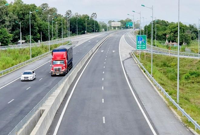 Rà soát mới nhất của Bộ GTVT cho thấy, trung bình suất đầu tư cao tốc Bắc- Nam vào khoảng 116 tỷ đồng/km, thấp hơn so với con số Bộ Xây dựng đưa ra