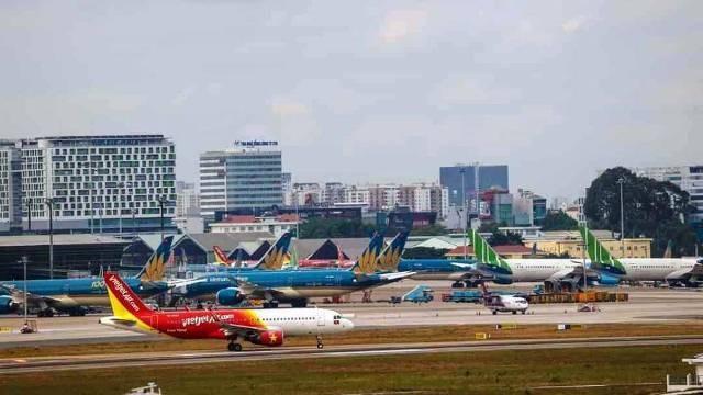Cục Hàng không yêu cầu hạn chế tăng lượng tàu bay đậu đỗ tàu bay qua đêm tại Nội Bài và Tân Sơn Nhất để giảm ùn tắc