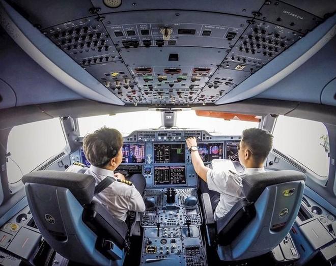 Việt Nam rà soát toàn bộ bằng lái, chứng chỉ của phi công nước ngoài làm việc tại các hãng hàng không trong nước