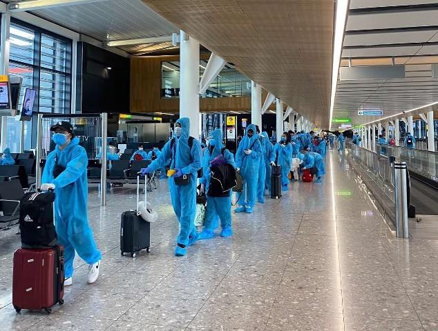 Người dân cần cẩn trọng với những đối tượng giả mạo để lừa bán vé máy bay cho công dân Việt Nam hồi hương tránh dịch