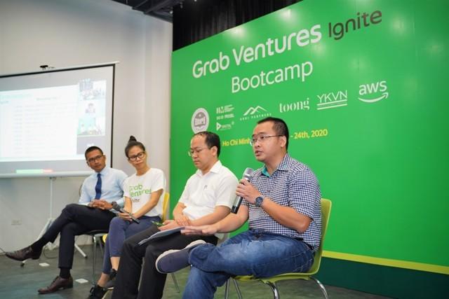 """Các chuyên gia thảo luận về cách startup Việt tăng tốc trong thời điểm """"bình thường mới""""."""