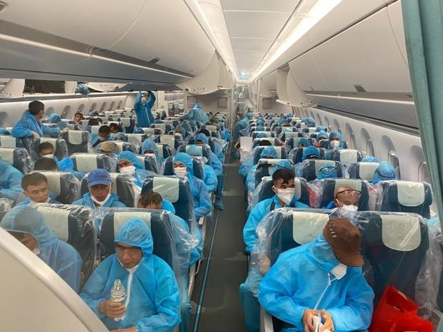 219 công dân Việt Nam trên chuyến bay VN6 về nước