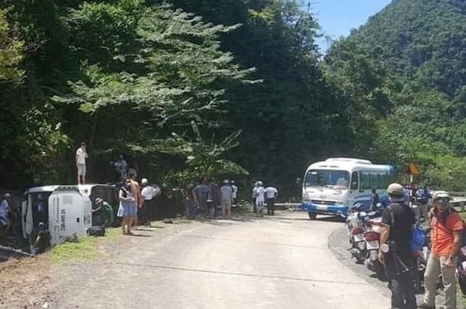 Hiện trường vụ tai nạn xe du lịch rơi xuống vực làm 15 người chết ở Quảng Bình