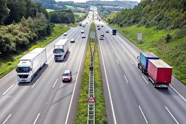 Hiện nay, doanh nghiệp muốn thay đổi giá cước vận tải đường bộ phải xin ý kiến của 2 ngành Tài chính và GTVT