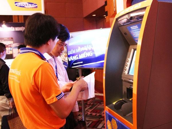 """Hàng loạt sản phẩm công nghệ """"trình làng"""" tại Banking Vietnam 2015 ảnh 1"""