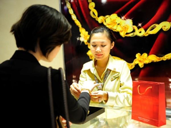 Giá vàng ngày 20-10: Giảm gần 150.000 đồng - đánh mất mốc 34 triệu đồng/lượng ảnh 1