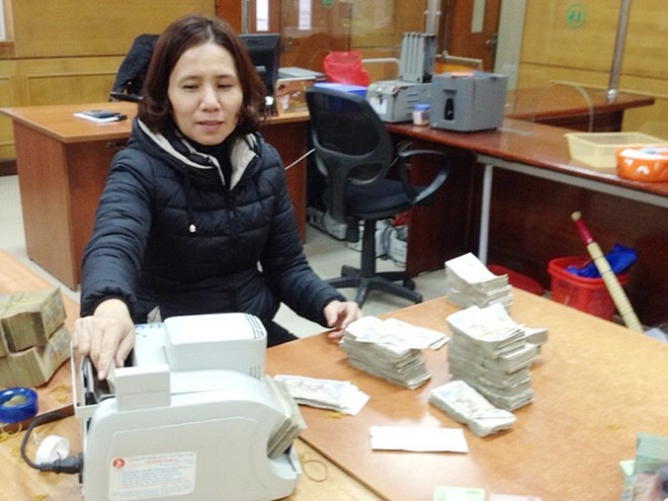 Agribank trả lại khách hàng hơn 104 tỷ đồng tiền thừa ảnh 1
