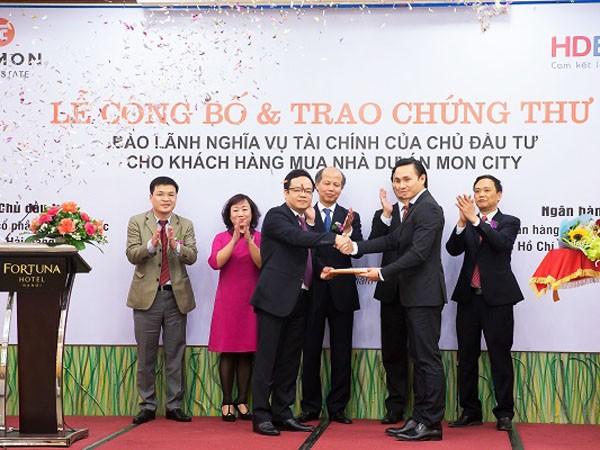Ngân hàng HD Bank chính thức trao chứng thư bảo lãnh nghĩa vụ tài chính cho chủ đầu tư dự án Mon City