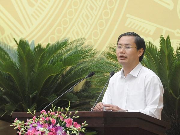Giám đốc Sở Kế hoạch và Đầu tư Hà Nội Nguyễn Văn Tứ tiếp thu và giải trình