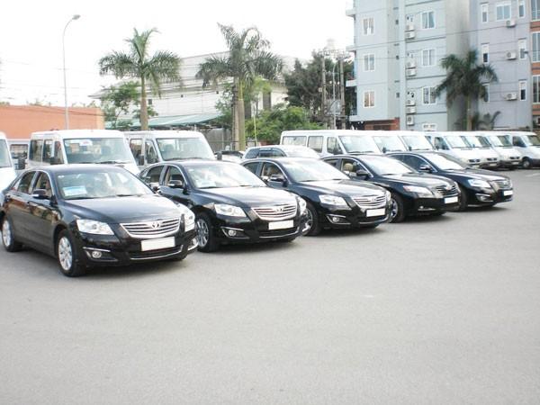 Bộ Tài chính khoán xe công theo đơn giá taxi ảnh 1