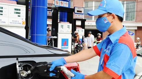 Xăng, dầu đồng loạt tăng giá ảnh 1