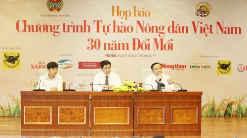 """Ban tổ chức cho biết, chương trình """"Tự hào nông dân Việt Nam"""" đã chọn ra được 63 gương mặt nhà nông tiêu biểu nhất từ 137 hồ sơ đề cử"""
