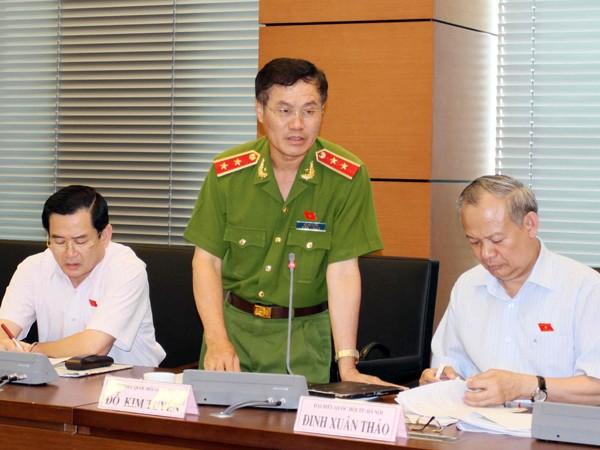 Trung tướng Đỗ Kim Tuyến - Phó Tổng cục trưởng Tổng cục Cảnh sát phát biểu