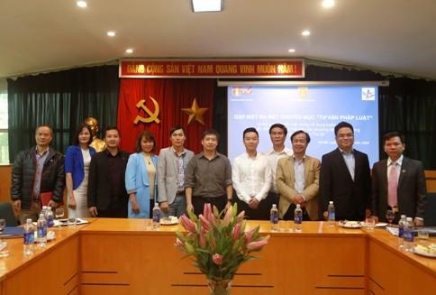 Các Luật sư tham gia buổi gặp mặt chụp ảnh kỷ niệm cùng đại diện Báo ANTĐ
