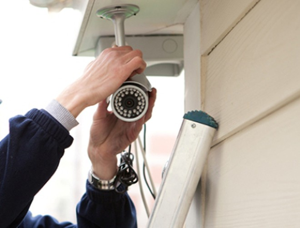 Camera an ninh được lắp đặt trong các gia đình, cửa hàng ngày càng nhiều