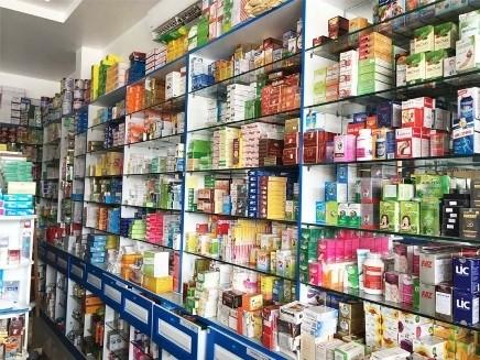 Từ 1-6, tên thương mại của thuốc ghi trên nhãn thuốc phải đảm bảo
