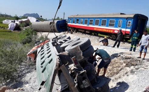 Liên tiếp các vụ TNGT đường sắt xảy ra thời gian gần đây