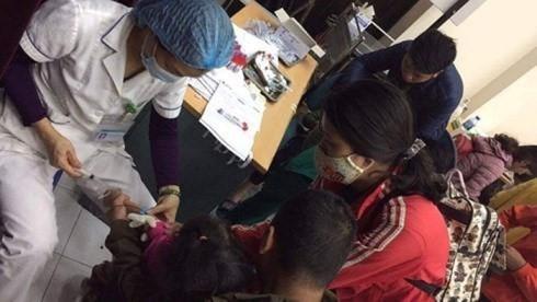 Nhiều trẻ đã được gia đình đưa đến bệnh viện làm xét nghiệm