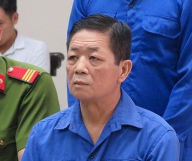"""Nguyễn Kim Hưng (tức Hưng """"kính"""") tại phiên tòa sơ thẩm"""