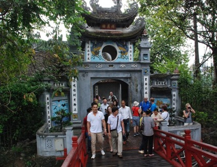 Đền Ngọc Sơn sẽ là một trong những điểm du lịch không khói thuốc tại Hà Nội