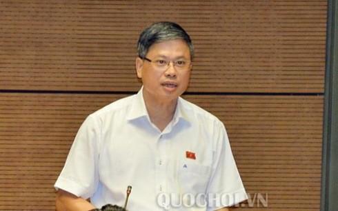 Đại biểu Nguyễn Sỹ Cương phát biểu thảo luận