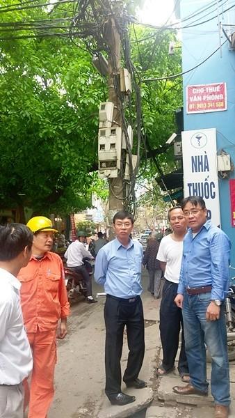 Sẽ di dời cột điện gây cản trở giao thông giữa phố Vũ Thạnh, quận Đống Đa