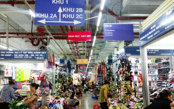 Ban quản lý chợ Mơ sẽ điều chỉnh lại các vị trí tắt, bật bóng đèn cho phù hợp
