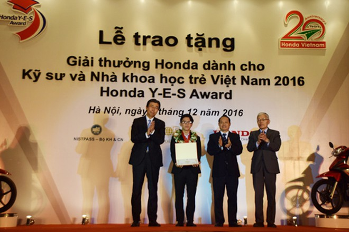 Honda Việt Nam trao tặng Giải thưởng Honda Y-E-S 2016