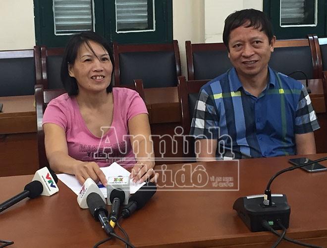 Chị Lê Thị Hà được các trinh sát giải cứu thành công