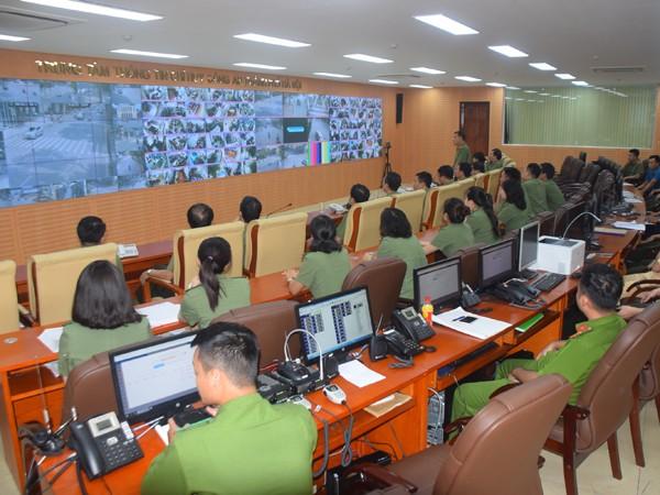 Cụm thi đua số 4 theo dõi công tác đảm bảo thông tin tại Trung tâm thông tin chỉ huy CATP Hà Nội