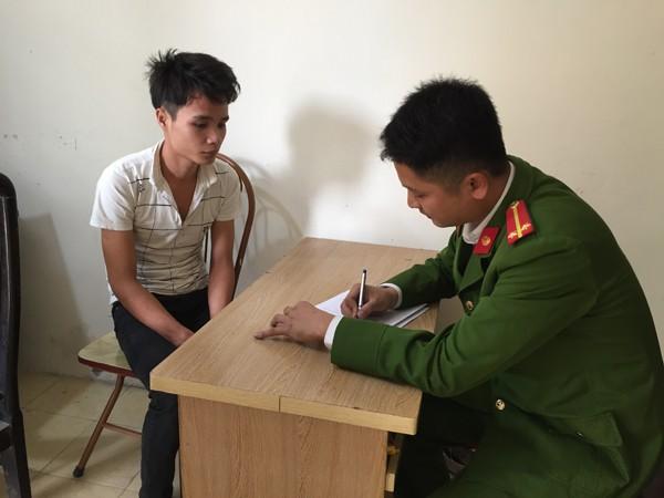Nguyễn Văn Lượng đang khai nhận hành vi phạm tội tại cơ quan công an