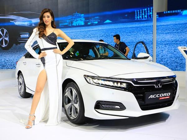 Honda Accord thế hệ thứ 10
