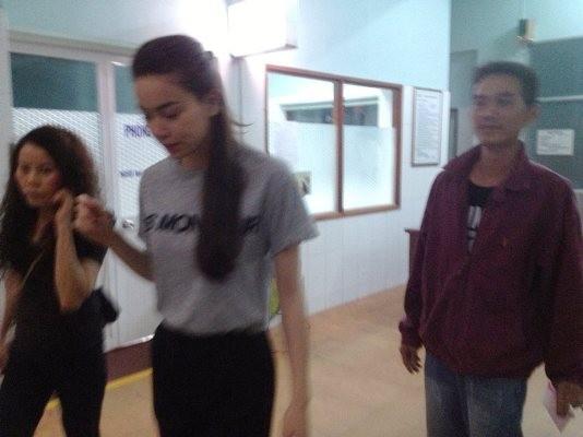 Những hình ảnh được cho là Hồ Ngọc Hà đến tận bệnh viện thăm hỏi các nạn nhân